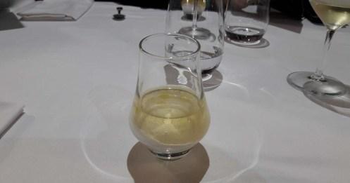 Gelatina de pepino con agua de tomate y aceite de oliva