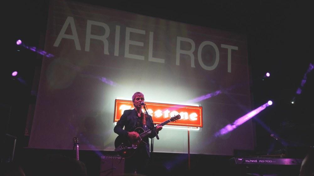 ariel rot 4